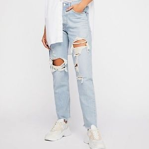 NWOT levi's wedgie icon high rise jean light wash